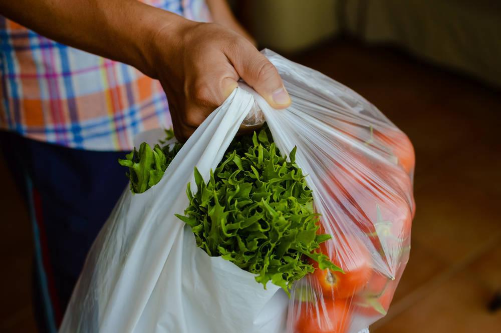 Adiós a las bolsas de plástico en Galicia